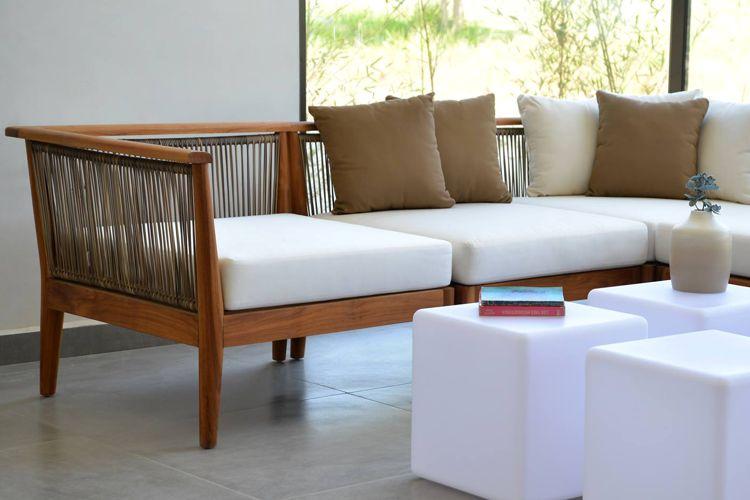 Muebles de jardin de madera meue for Muebles de teca interior